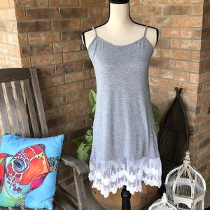 Tops - Tank with lace hem